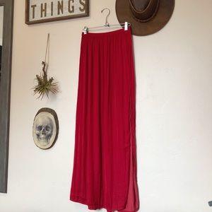 Red slit skirt